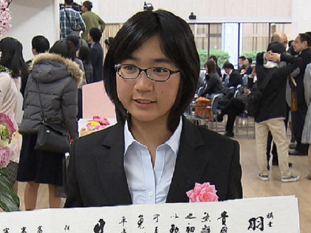 特集   史上初の親子3代現役!女子高生プロ棋士羽根彩夏初段 8歳で旅行 ...
